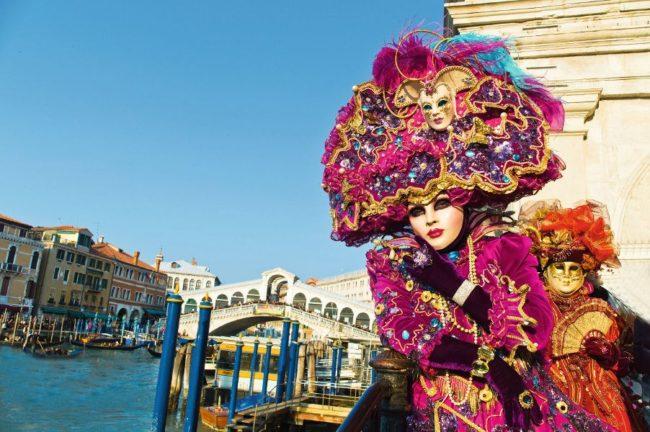 Karneval in der einzigartigen Stadt Vendig in Italien. Venezianische Masken